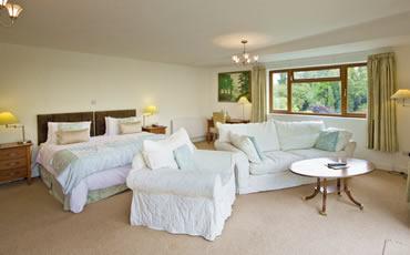 Tovey Lodge Lounge Area
